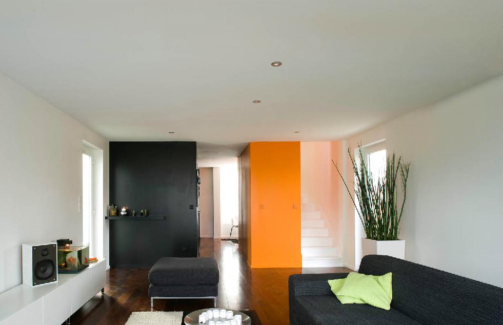 habiter dans un container beautyarchi. Black Bedroom Furniture Sets. Home Design Ideas